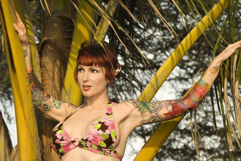 Femme dans le bikini. photos stock