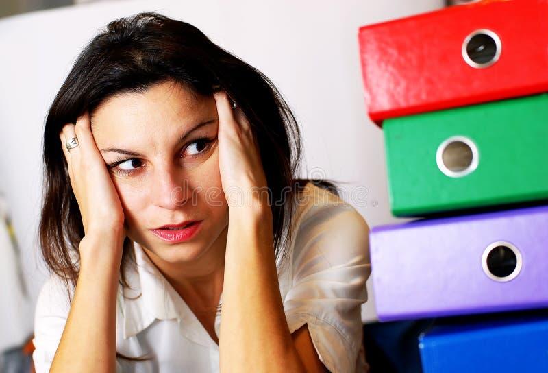 Femme dans le bureau 1 photo libre de droits