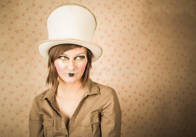 Download Femme Dans Le Chapeau Supérieur Blanc Et Un Maquillage Créatif Photo stock - Image du créateur, carnaval: 45371912