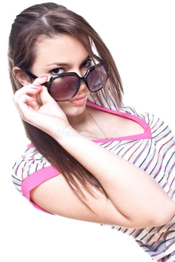 Femme dans une chemise rose avec les glaces photos libres de droits