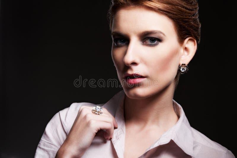 Femme de attirance élégante image stock