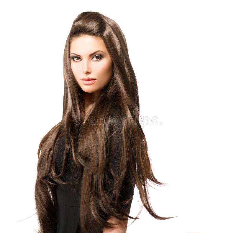 Femme de beauté avec de longs cheveux de Brown photos stock