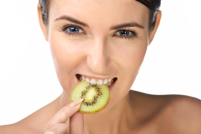 Femme de beauté avec des fruits photographie stock libre de droits
