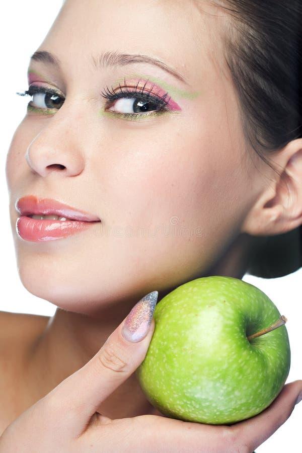 Femme de beauté avec le fruit image libre de droits