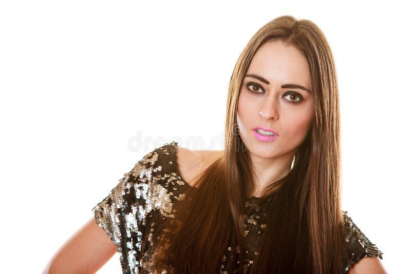 Femme de brune de portrait avec le maquillage foncé image stock