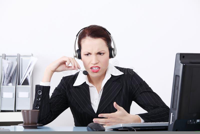 Femme de centre d'attention téléphonique image stock