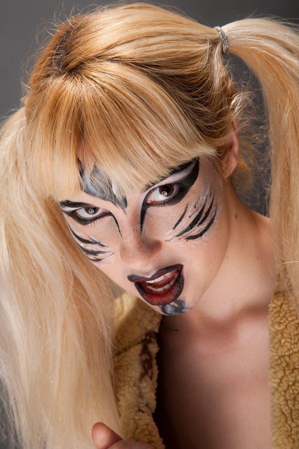 Download Femme de chat photo stock. Image du verticale, effectuez - 8651240