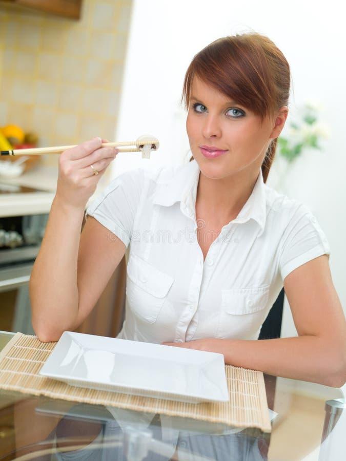 femme de cuisine image stock