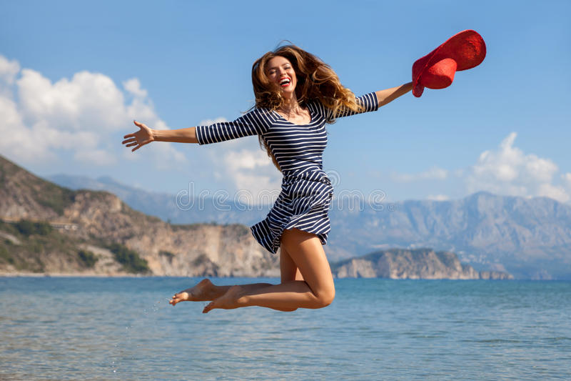 Femme de Jumpin photographie stock