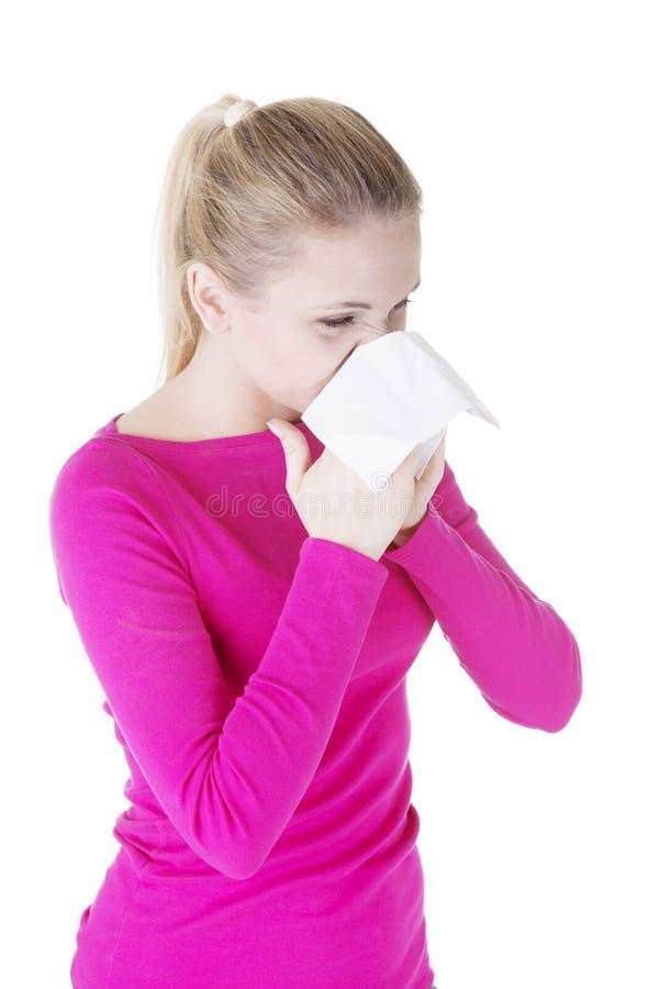 Femme de l'adolescence avec l'allergie images stock