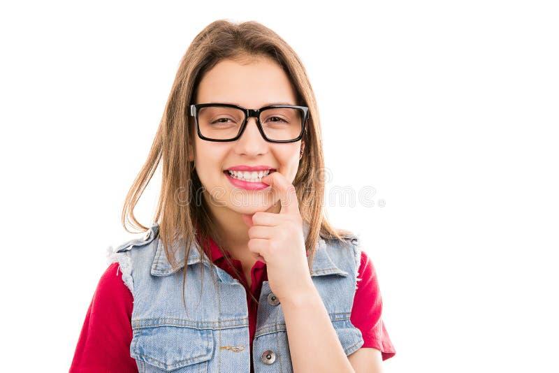 Femme de l'adolescence heureuse semblant flirty photographie stock