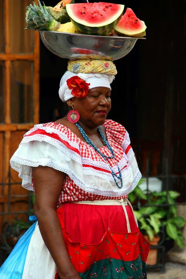 Femme de la Colombie à Carthagène photographie stock libre de droits