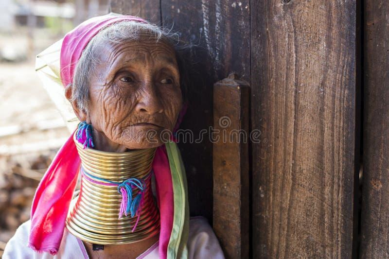 Femme de Long-cou, Myanmar image libre de droits