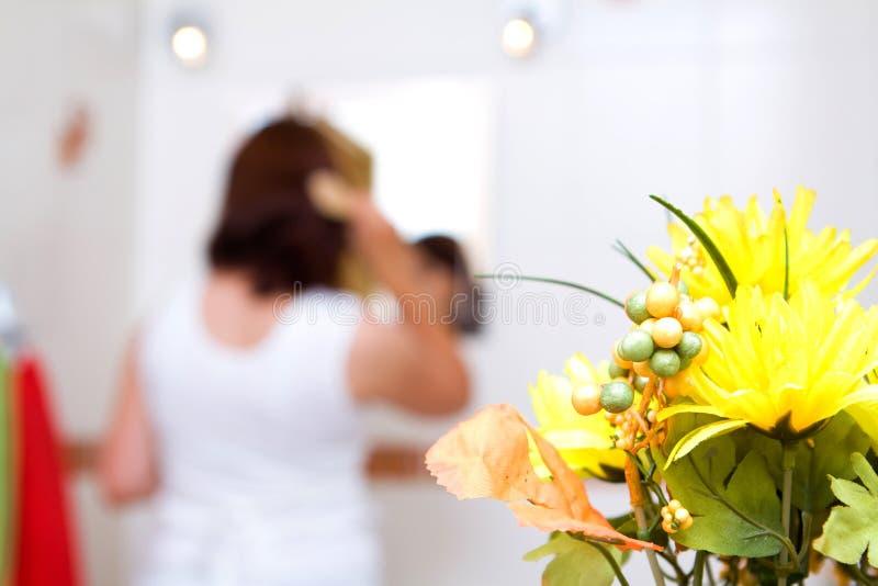 femme de salle de bains images stock