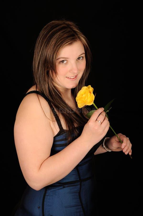 Download Femme de sourire de fleur image stock. Image du robe, simple - 8659847
