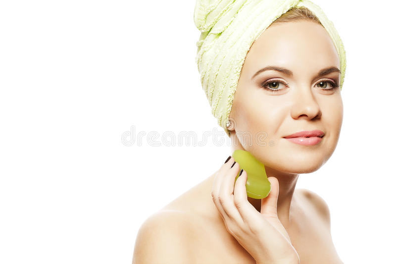 Femme de station thermale Belle fille avec Ginger Hair After Bath photographie stock libre de droits