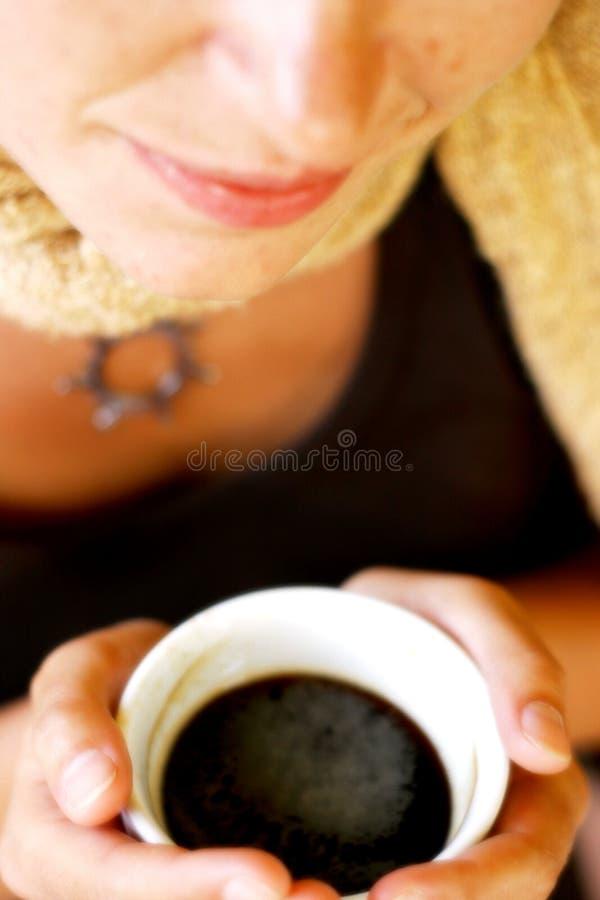 Femme de temps de café photographie stock libre de droits