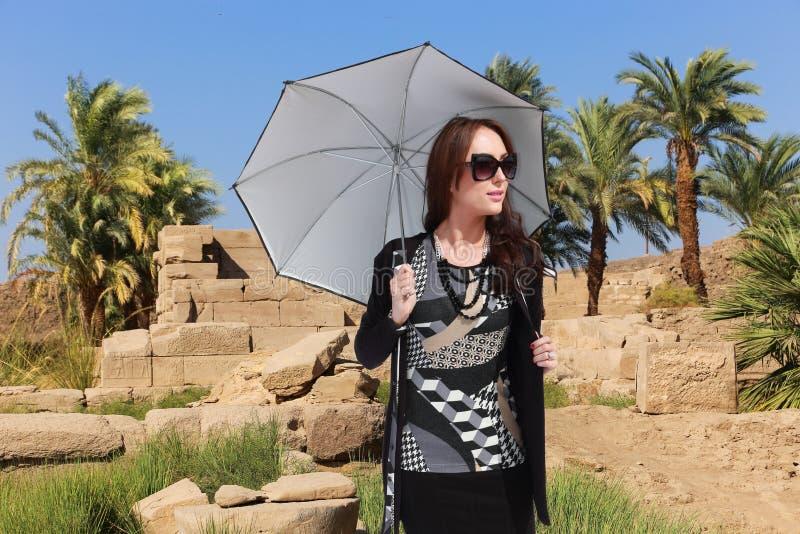 Femme de touristes chez l'Egypte photographie stock libre de droits