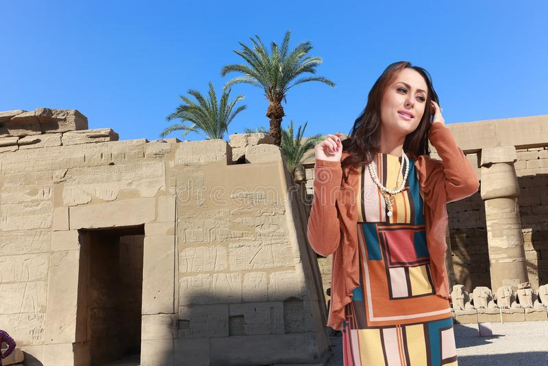 Femme de touristes chez l'Egypte photographie stock