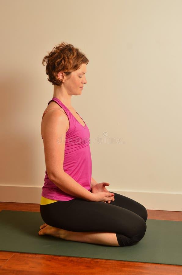 Femme de yoga photos libres de droits