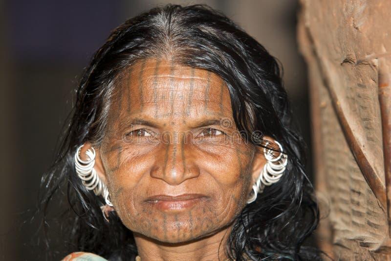 Femme de zone tribale, état d'Orissa, Inde photographie stock