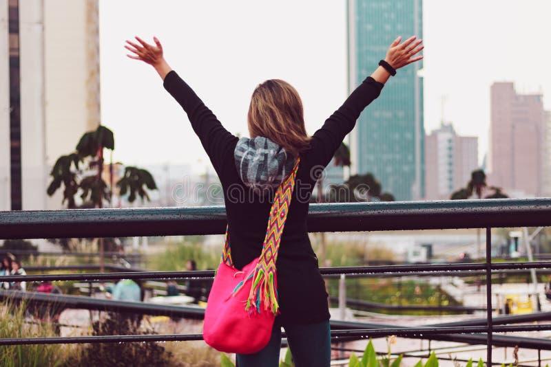 Femme des vacances à Bogota Colombie photographie stock libre de droits