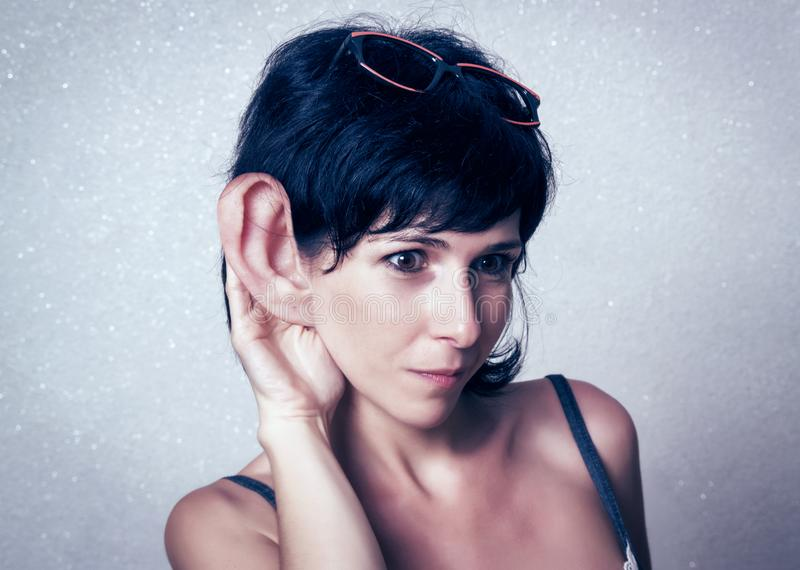 Femme drôle avec la grande oreille images libres de droits