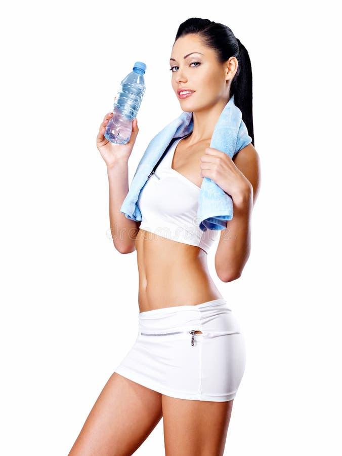 Femme en bonne santé avec le corps de formation photo stock