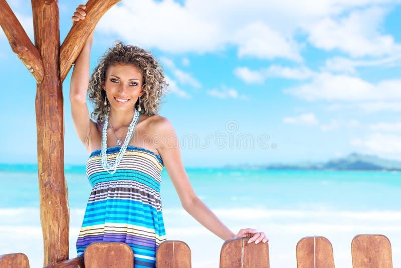 Femme en mer images libres de droits