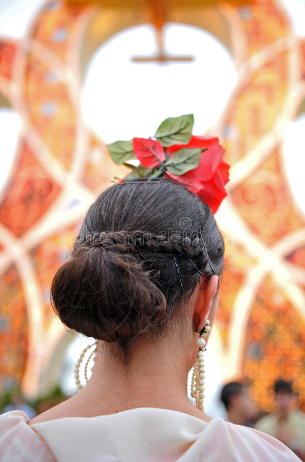 Femme Andalouse Avec La Mantille Et Peigne Arriere Semaine Sainte En Seville L Andalousie Espagne Photographie Editorial Image Du Arriere Peigne 50990942