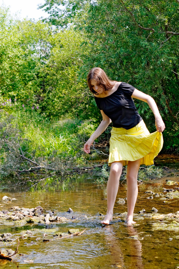Femme et flot photographie stock libre de droits