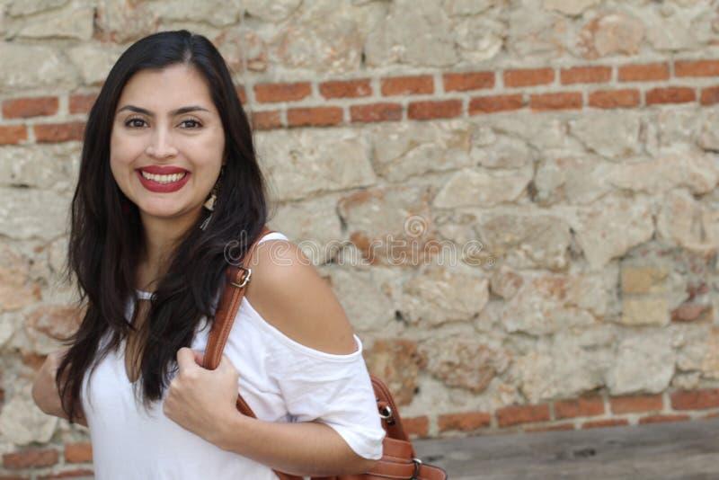 Femme ethnique élégante avec l'espace de copie image stock