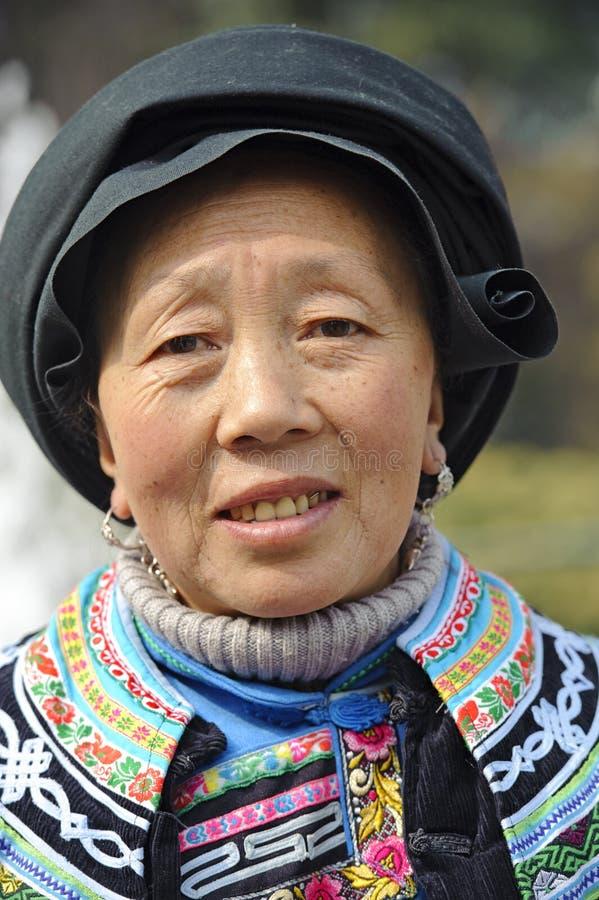 Femme ethnique chinoise de Qiang photos libres de droits