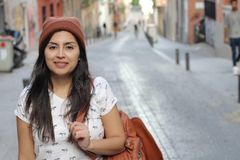 Femme ethnique de hanche avec l'espace de copie image stock