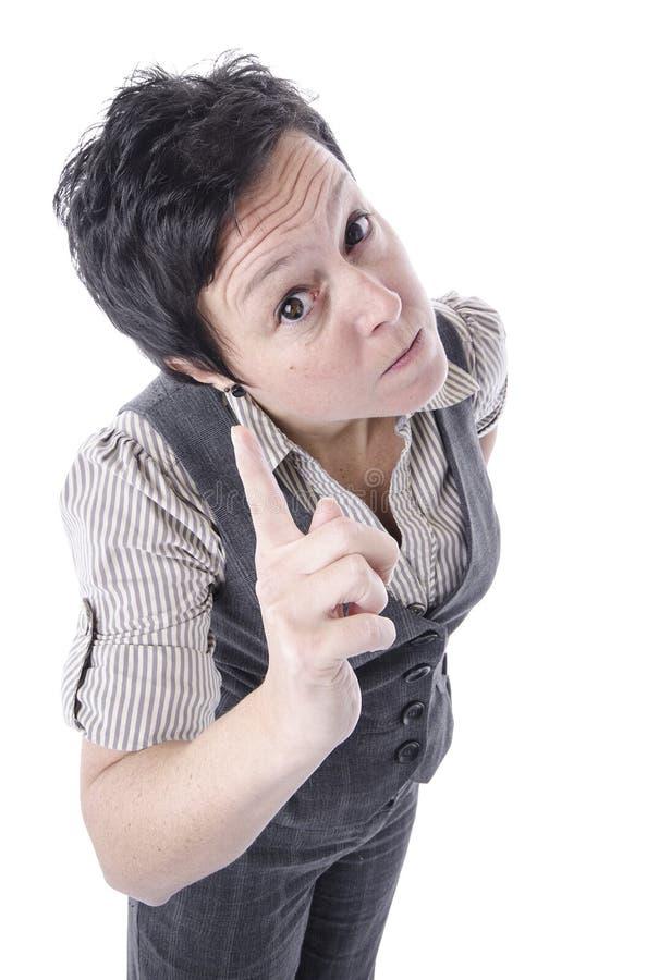 Femme fâchée dirigeant le doigt photographie stock libre de droits