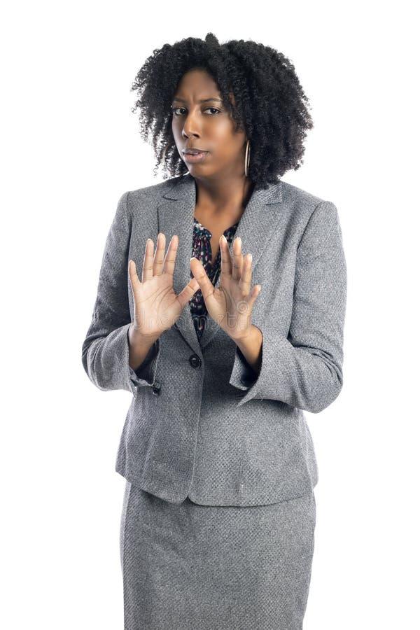 Femme f?minine am?ricaine d'affaires d'africain noir semblant effray?e photographie stock libre de droits