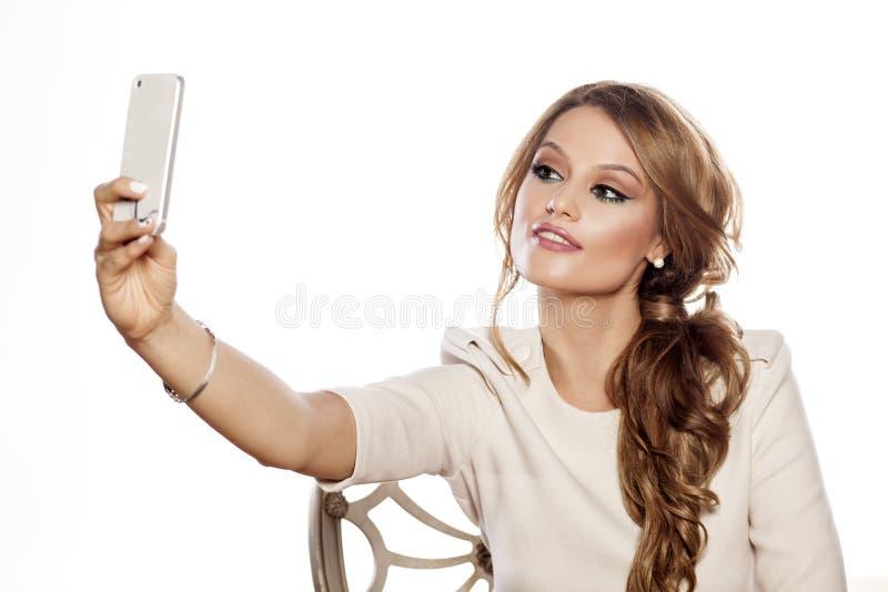 Femme faisant le selfie image stock