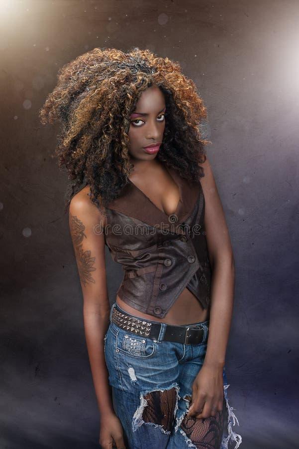 Femme fascinante d'Afro-américain photo libre de droits