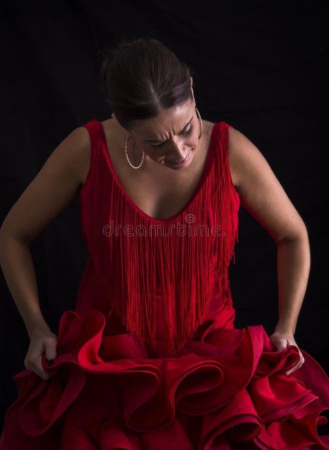 Femme habillée dans la robe rouge de flamenco image libre de droits