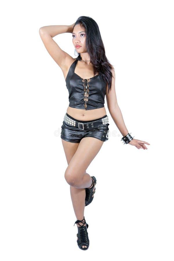 Download Femme Habillée En Cuir Noir Image stock - Image du musique, élégant: 76079775