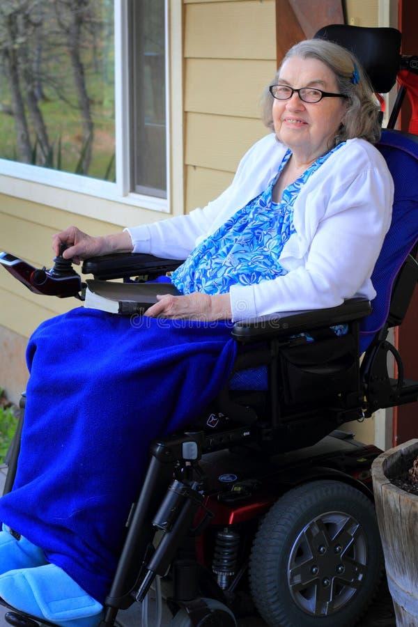 Femme handicapée images libres de droits