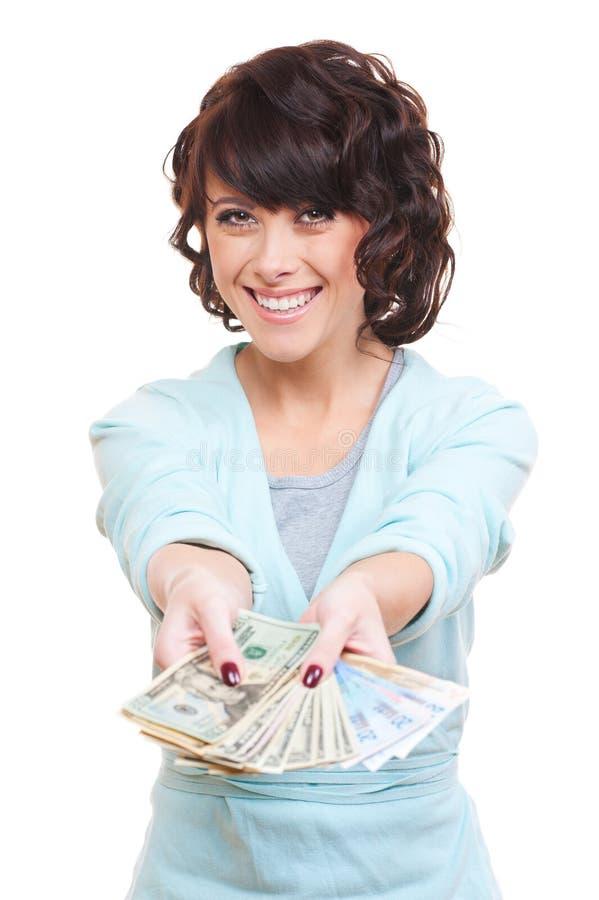Femme heureuse donnant l'argent photo libre de droits