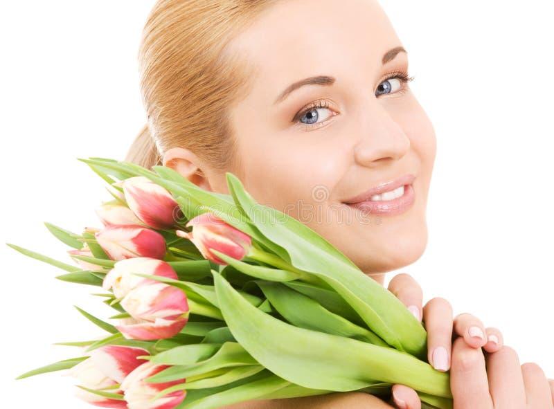 Download Femme Heureux Avec Des Fleurs Image stock - Image du heureux, attrayant: 8670239