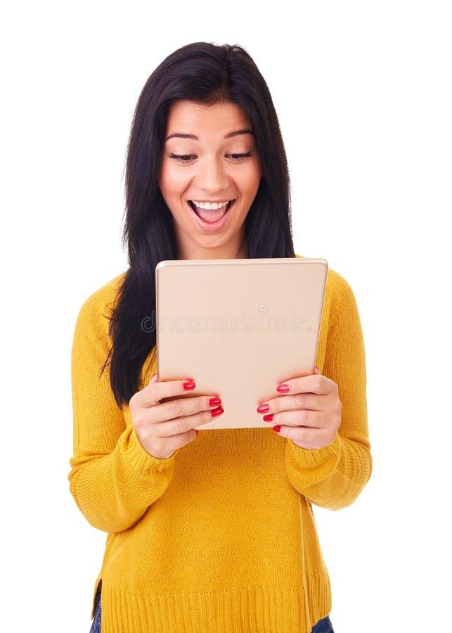 Femme heureux avec l'ordinateur de tablette image libre de droits