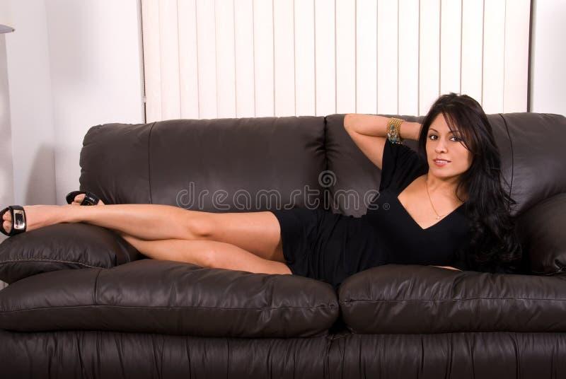 Femme hispanique fascinante. photographie stock libre de droits