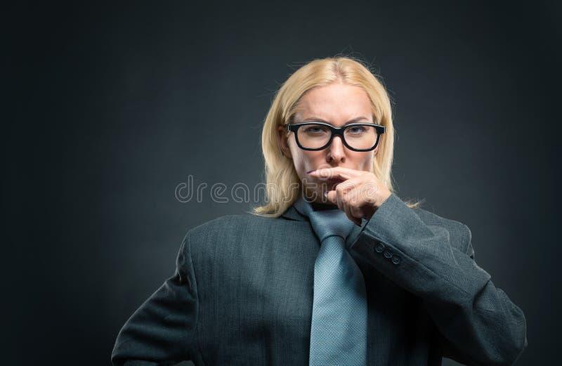 Femme intelligente forte photographie stock libre de droits