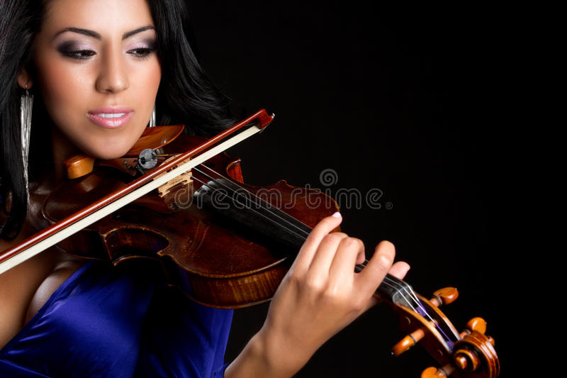 Femme jouant le violon photographie stock libre de droits
