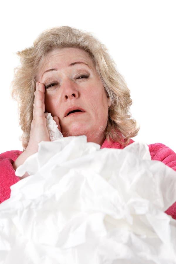 Femme mûr avec la grippe photo libre de droits