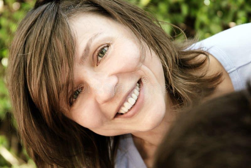 Femme mûre heureuse photographie stock libre de droits