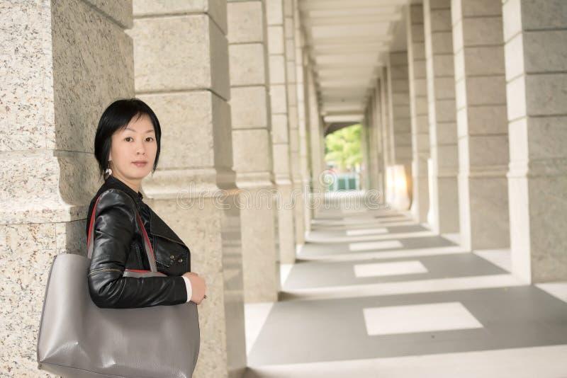 Femme mûre asiatique image stock